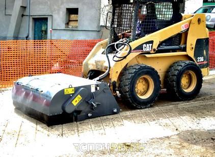 Аренда и услуги спецтехники — Бункерная щетка CAT