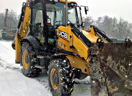 Аренда и услуги спецтехники — Уборка снега JCB 3CX